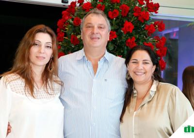 Maria-Teresa-Uliana-Sergio-Carlos-Uliana-e-Merella-Carla-Vieira-Uliana-em--concorrido-evento-social.